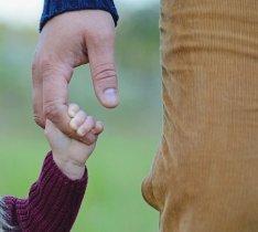 Дети становятся умнее, если в младенчестве с ними занимается их отец